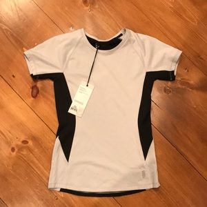 Tops - NWT Second Skin active top